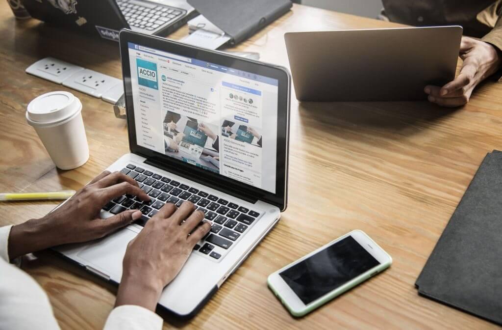 Encargarse de las acciones de marketing digital que hace la empresa