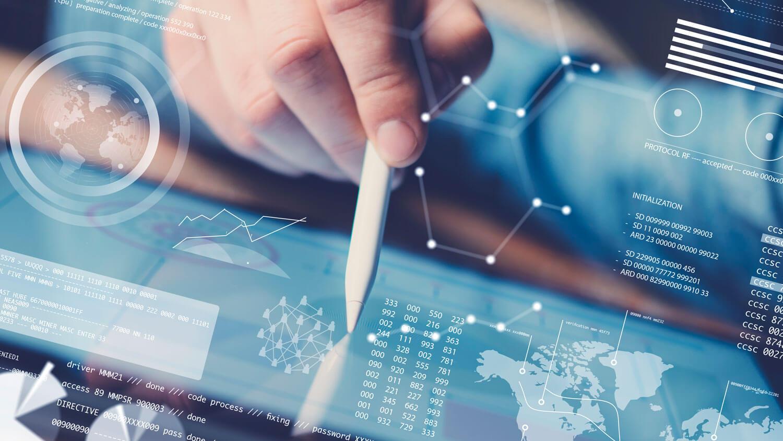 El Social Media Manager analiza los resultados de las campañas digitales